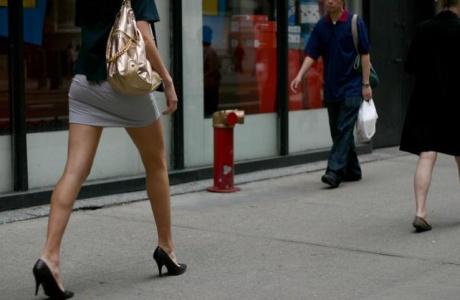 minigonna multa donna
